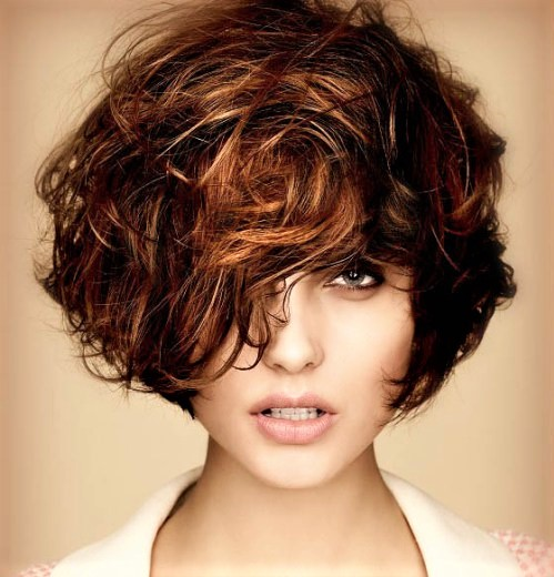 layered-short-curly-hairstyle-2016.jpg
